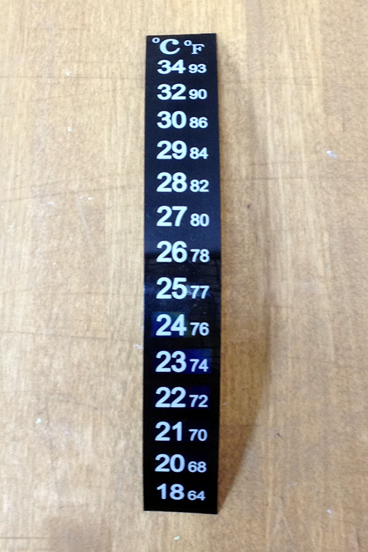 Термометр наклейка